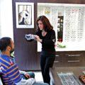 Opticiens chez Optique 26 - Paris - Message In A Window