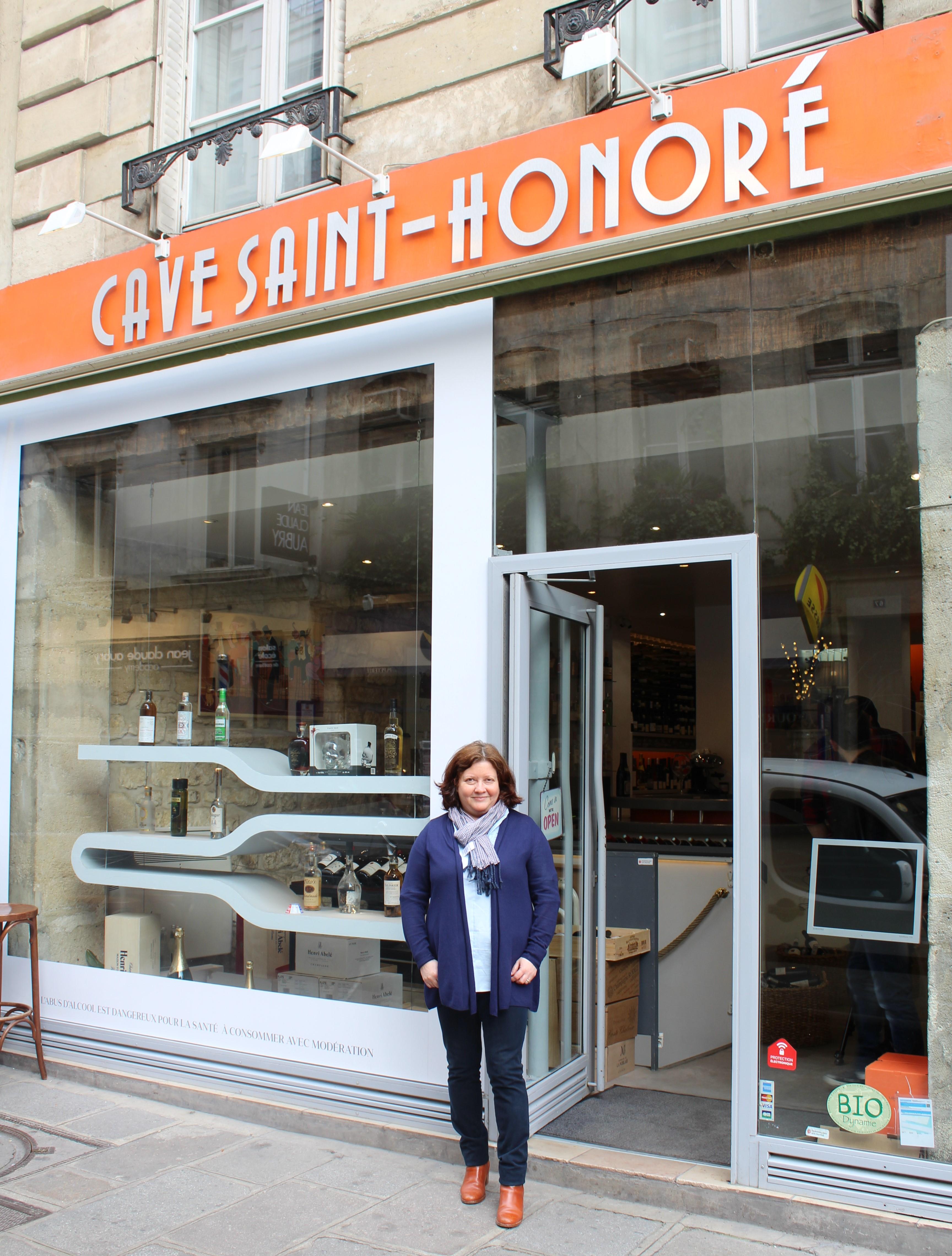 Cave Saint Honoré Paris - Message In A Window